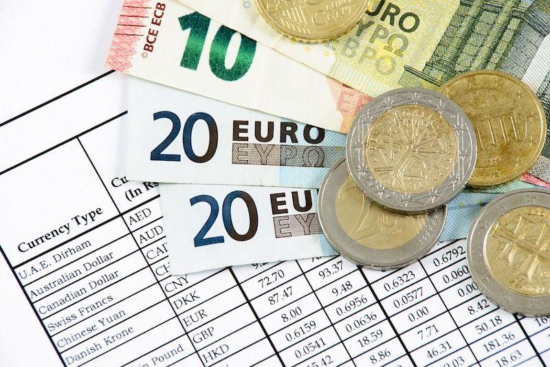 Restricción de pagos en efectivo y en monedas virtuales